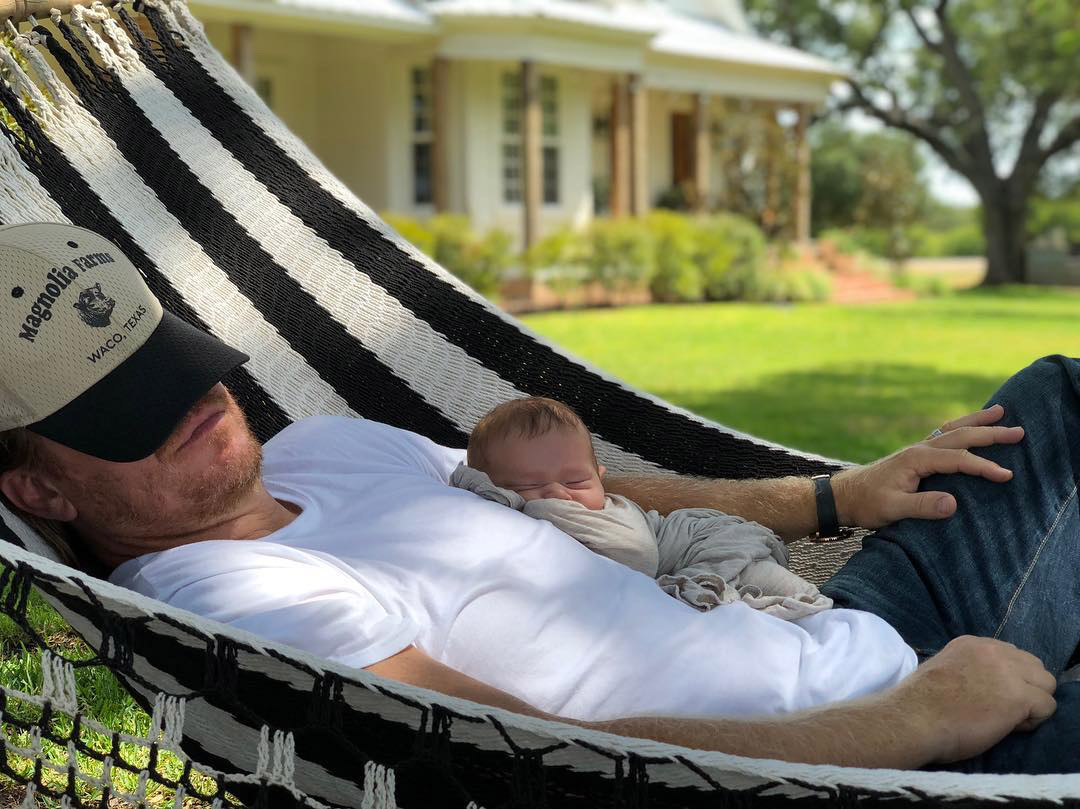 Lazy Summer Days! Chip Gaines and Son Crew Are an Adorable Duo in a Hammock - See the Pic