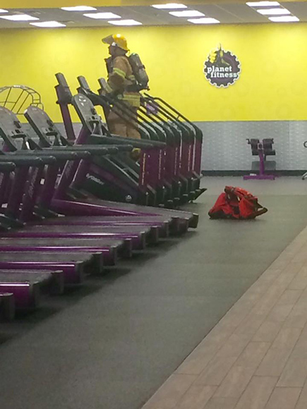 Tennessee Firefighter Climbs Gym Stair Machine in Full Gear to Honor His 9/11 'Fallen Heroes'