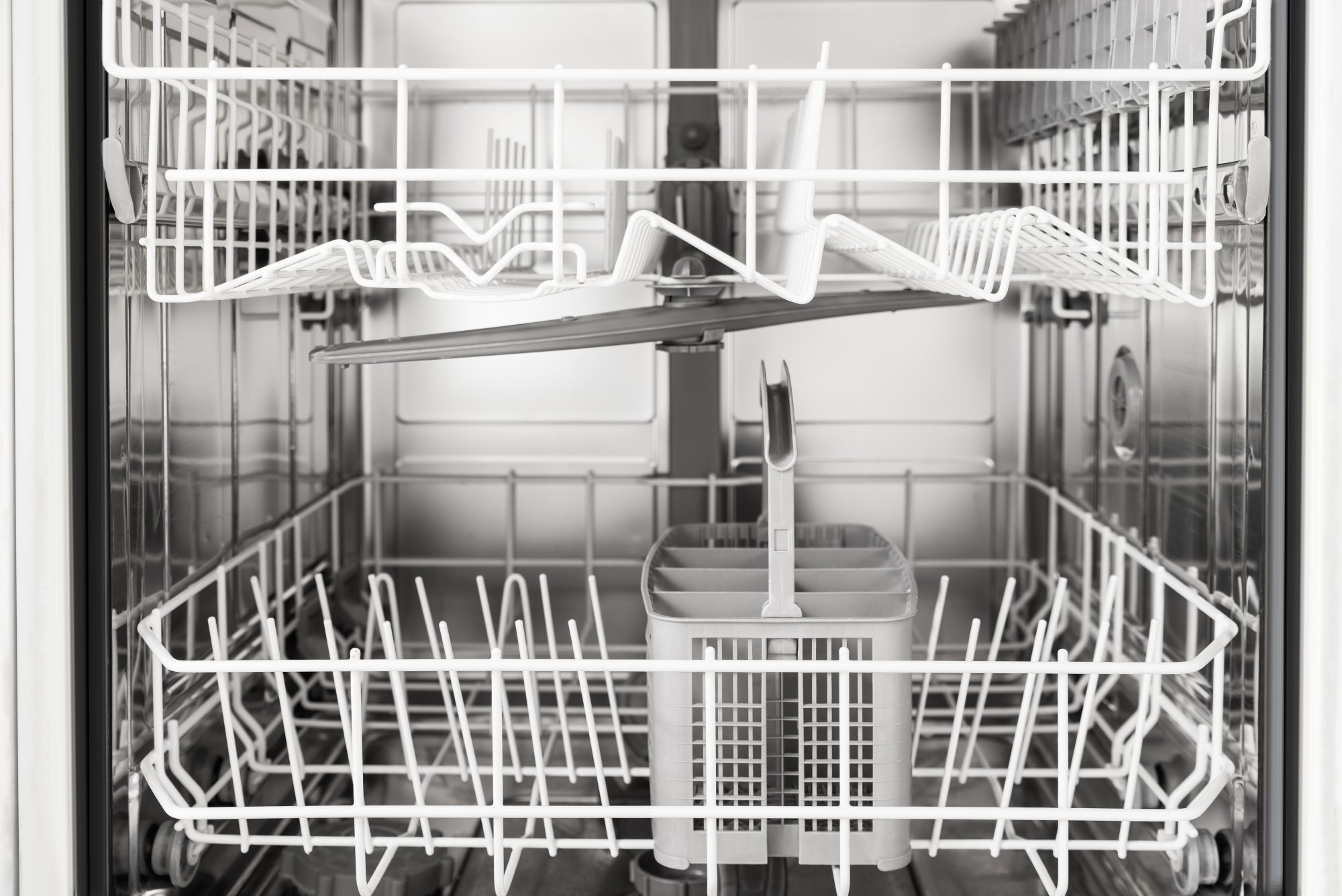 Why You Should Put A Bowl of Vinegar In Your Dishwasher