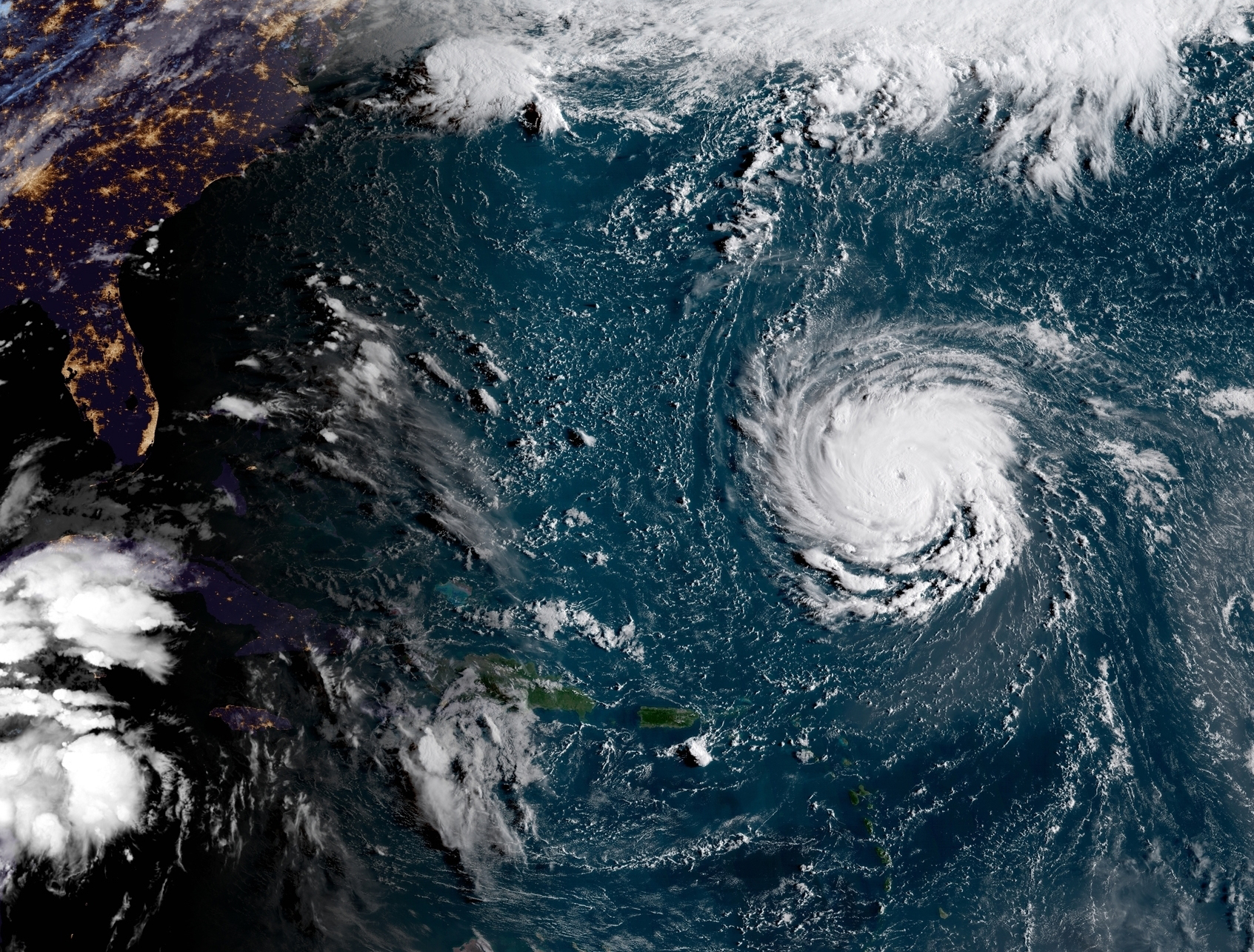What to Know About Hurricane Florence If You're Traveling This Week