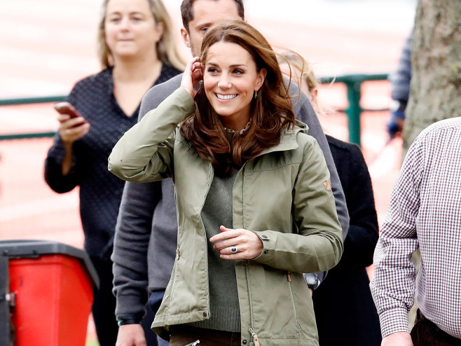 Kate Middleton Is Spotted Out for First Time Since the Birth of Baby Louis catherine-11