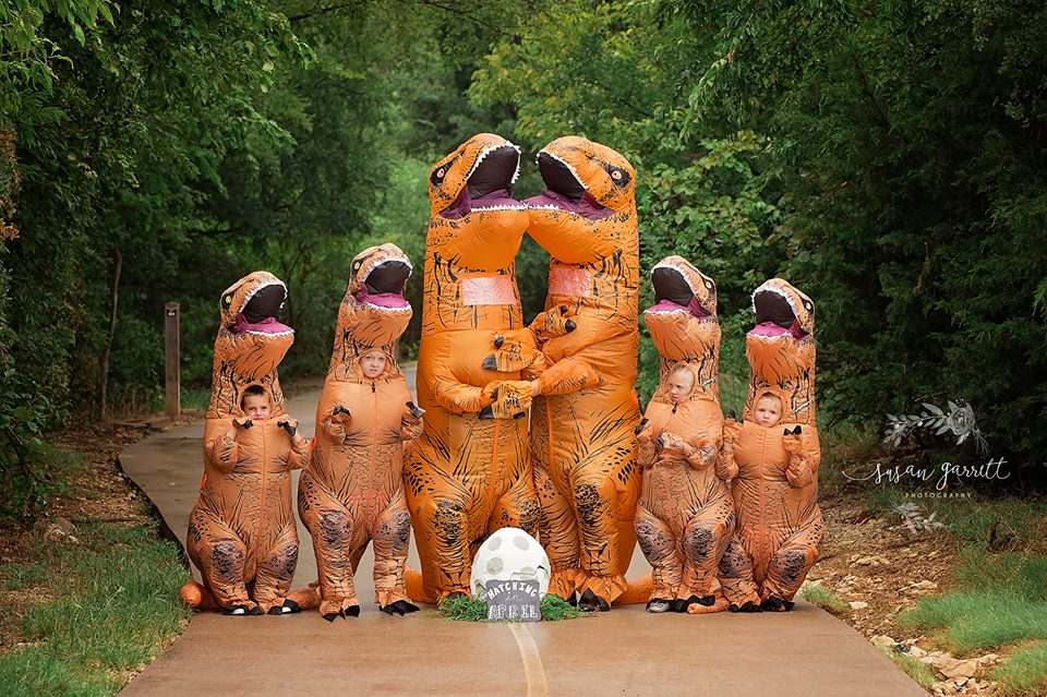 Texas Family May Have Just Won the Viral Pregnancy Announcement Game with This T-Rex Themed Photo