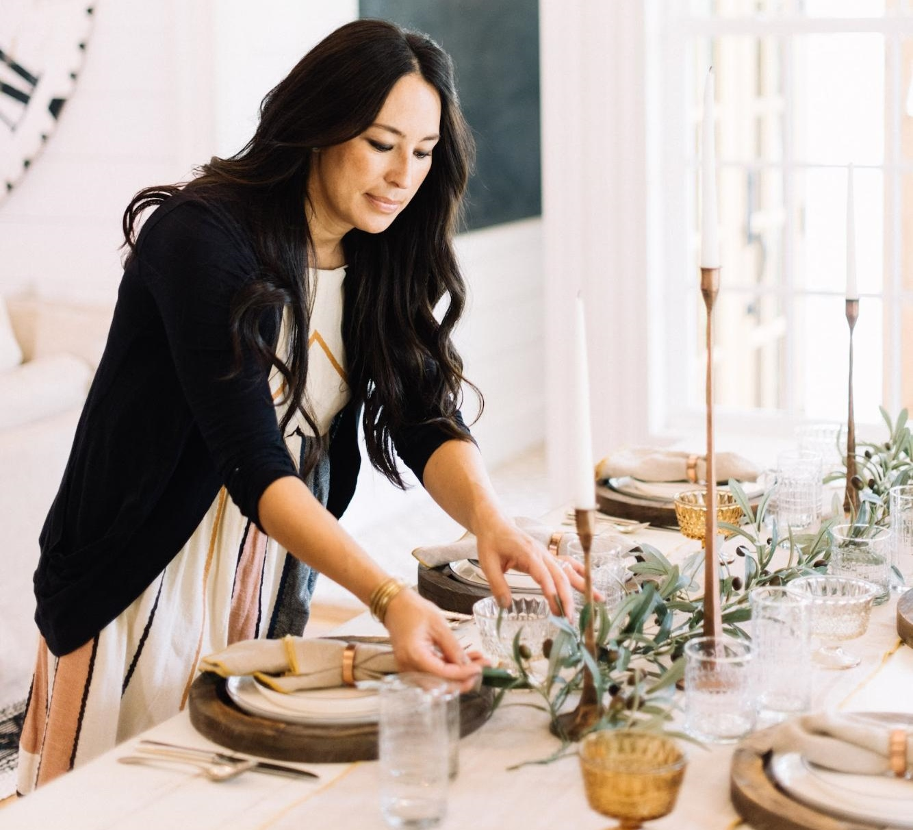 Joanna Gaines Setting Thanksgiving Table