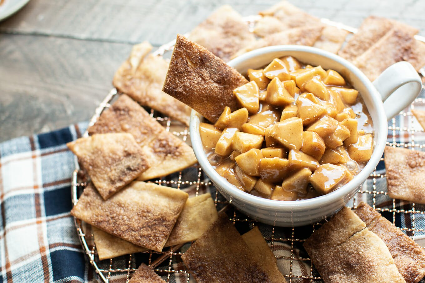 Slow Cooker Caramel Apple Dip