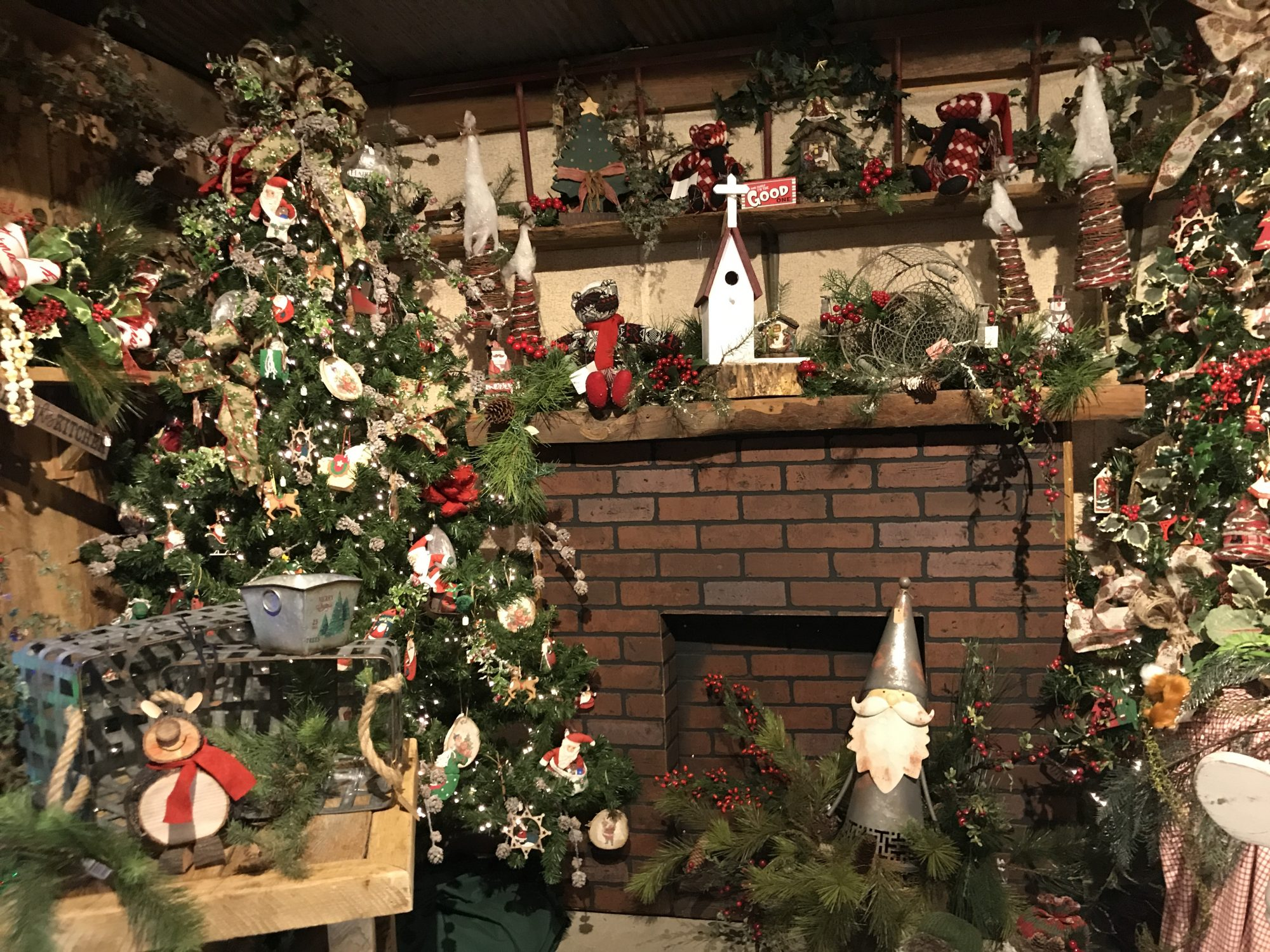 this tiny north alabama town is home to the souths greatest christmas shop southern living - 1980s Christmas Decorations