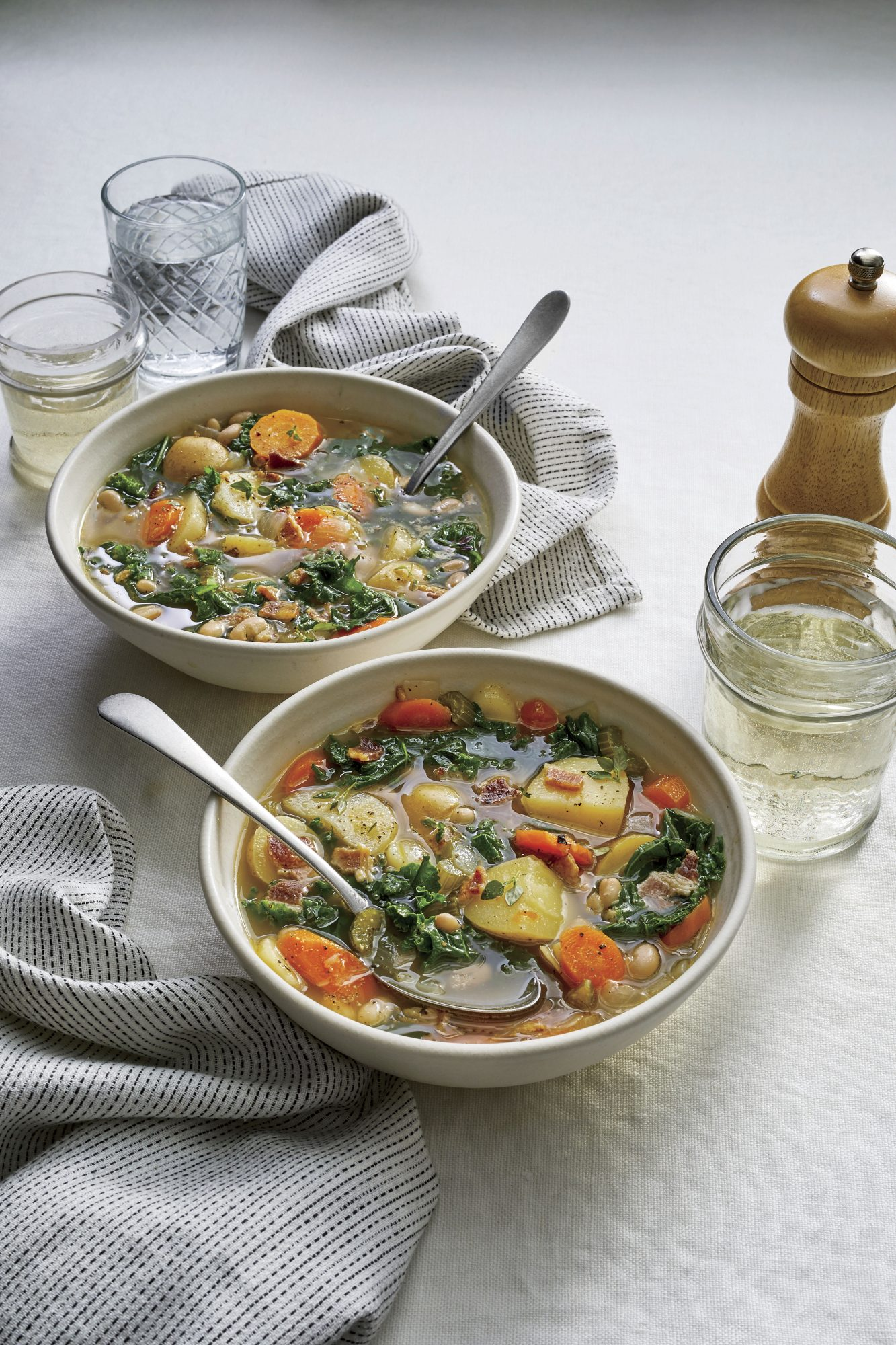 Slow Cooker Vegetable Soup with Bacon