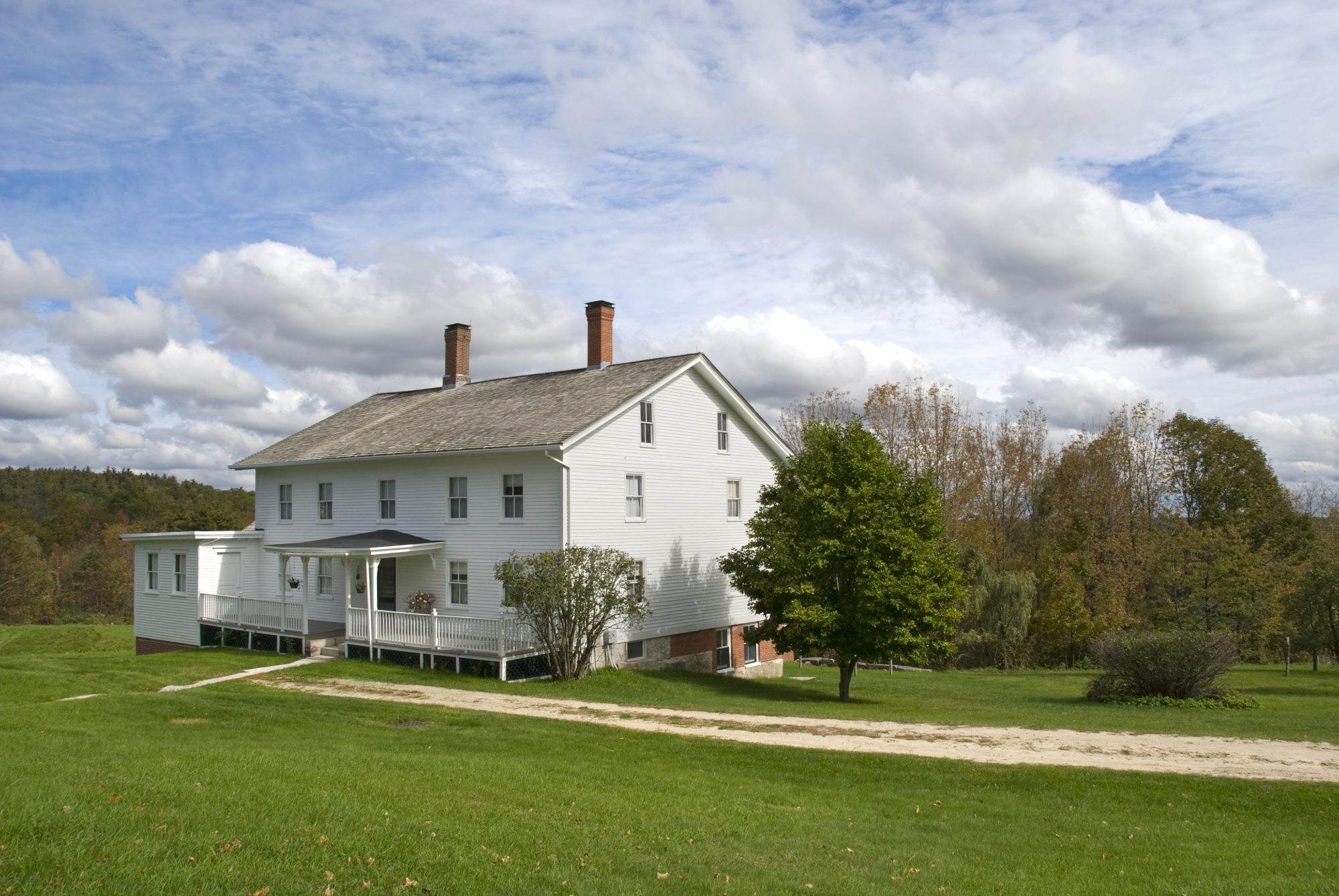 The Real Reason Farmhouses Are Almost Always Painted White