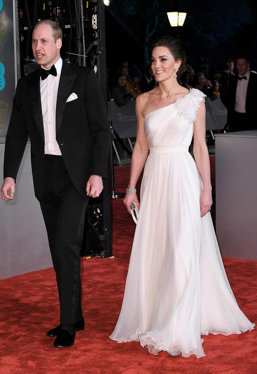 Kate Middleton debuted Princess Diana's diamond and pearl earrings on the BAFTA red carpet Prince-William-Duchess-of-cambridge-catherine-Baftas-red-carpet-2019