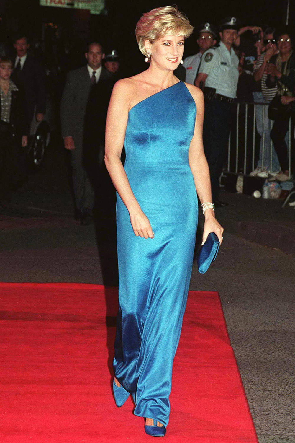 Kate Middleton debuted Princess Diana's diamond and pearl earrings on the BAFTA red carpet diana-versace