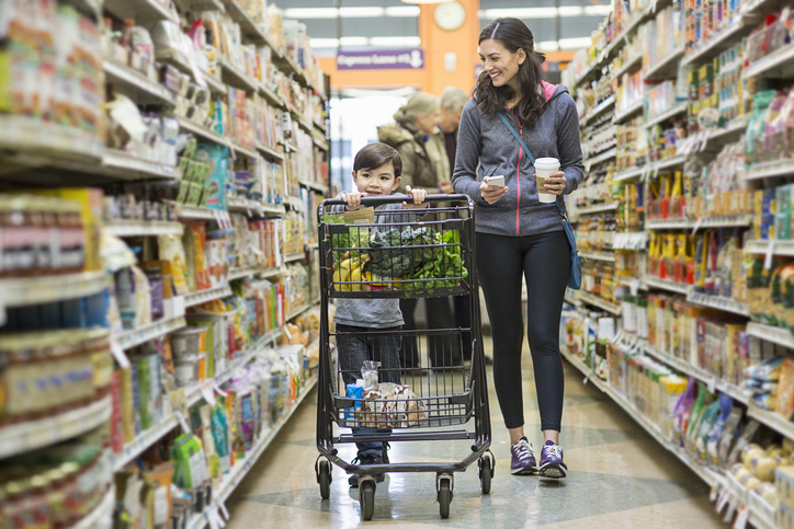 Grocery Store Etiquette: Dos and Don'ts for Your Weekly Shop