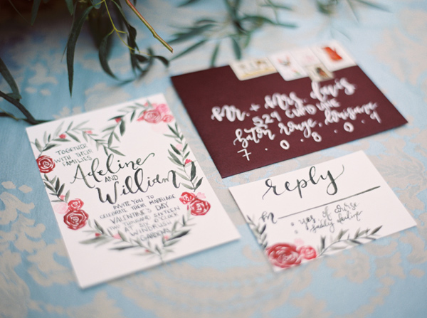 Invite Guests With Holiday-Inspired Greetings