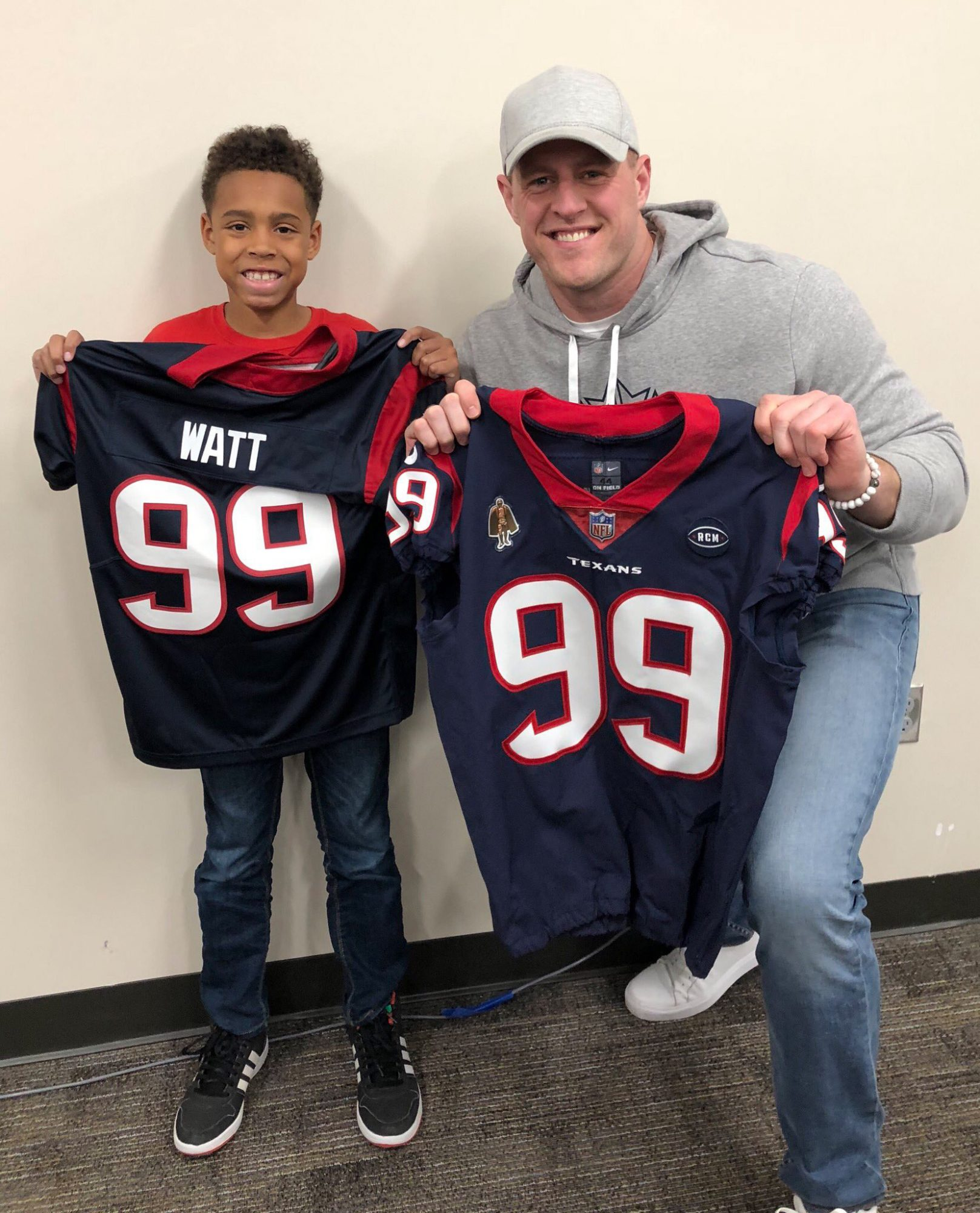 JJ Watt Follows Through on Promise to Give Young Fan His Jersey: 'I Have a New Friend' jj-watt-1