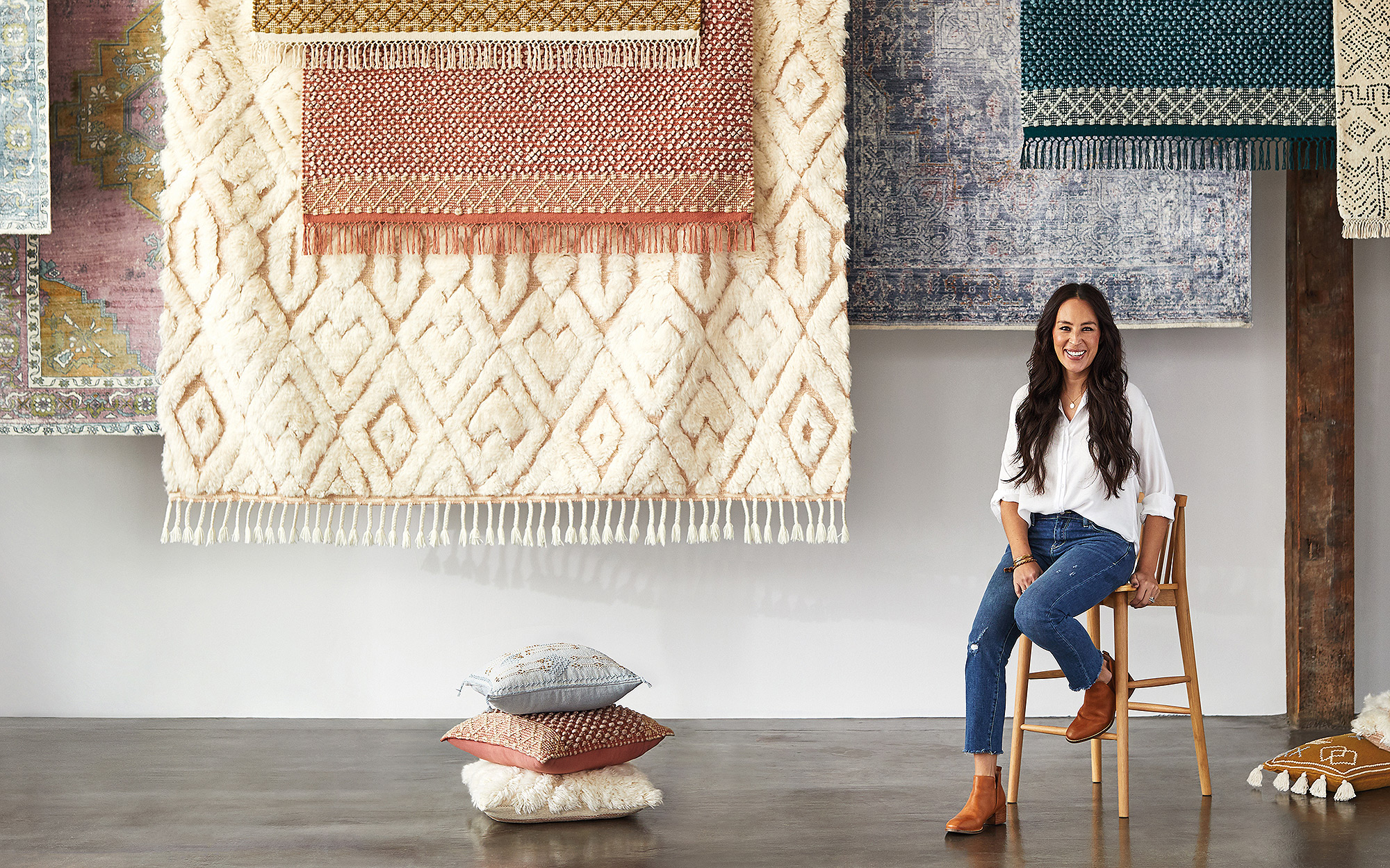 Joanna Gaines Launches 'Subtle, Classic' Collection of Rugs and Pillows at Anthropologie joanna-gaines-1-2
