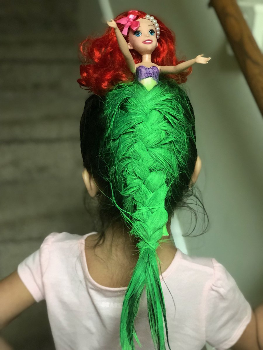 "Mom's Little Mermaid 'Do Blows Daughter's ""Crazy Hair Day"" Competition out of the Water"