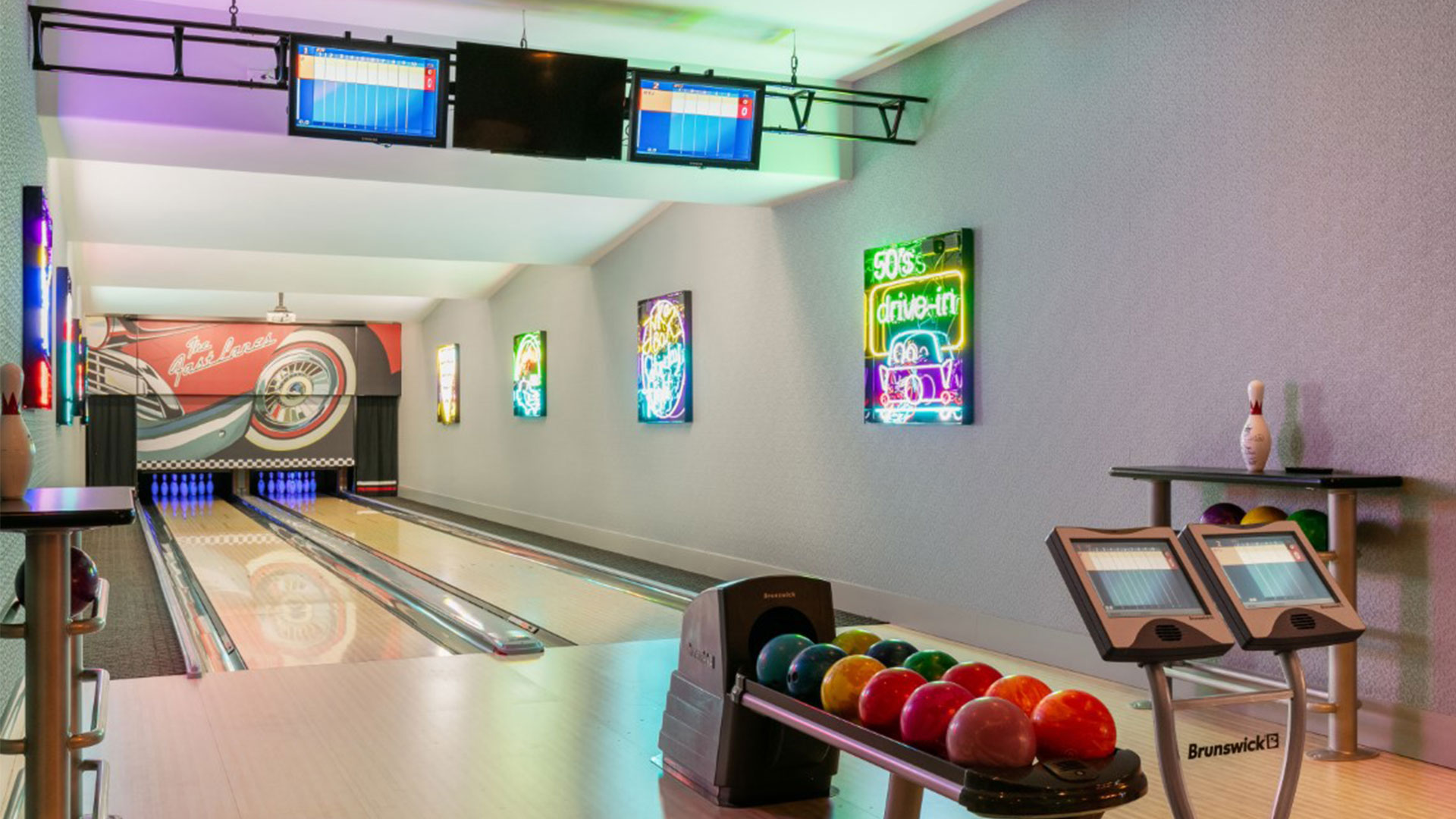 The Oaks Estate Thonotosassa Florida Bowling Alley