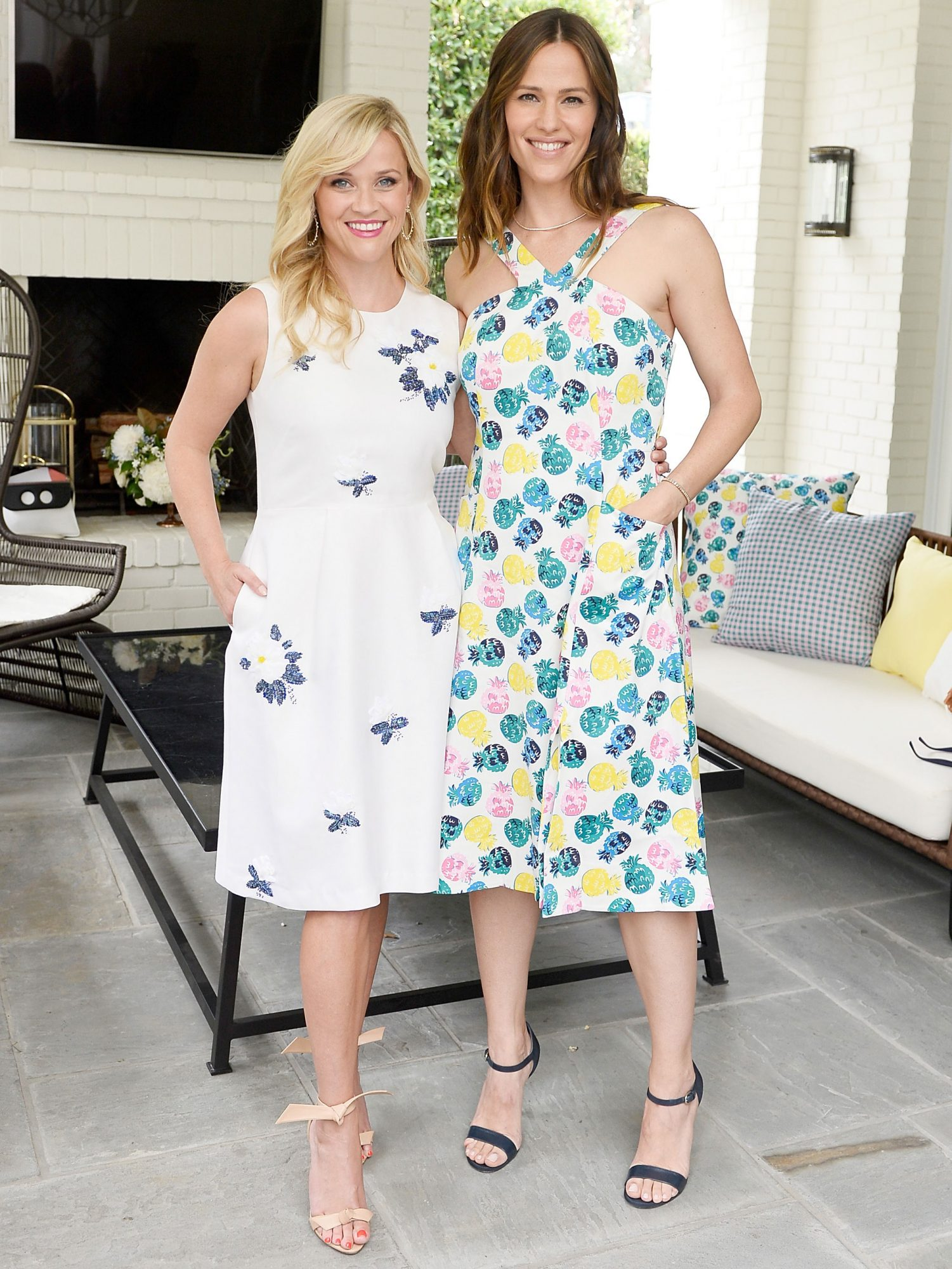 Inside Jennifer Garner and Reese Witherspoon's Sweet and Supportive Friendship reese-witherspoon11