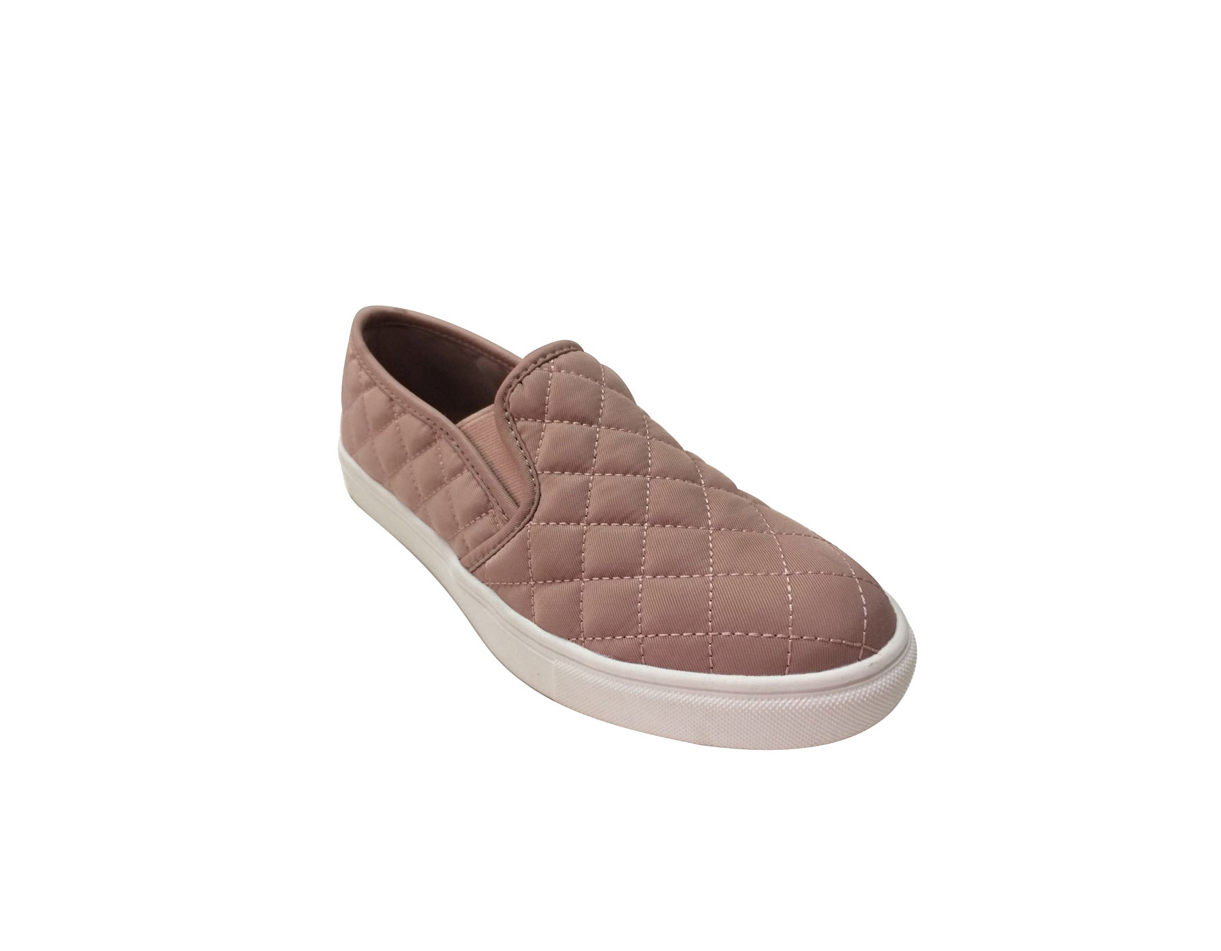 Time And Tru Quilt Twin Gore Slip On