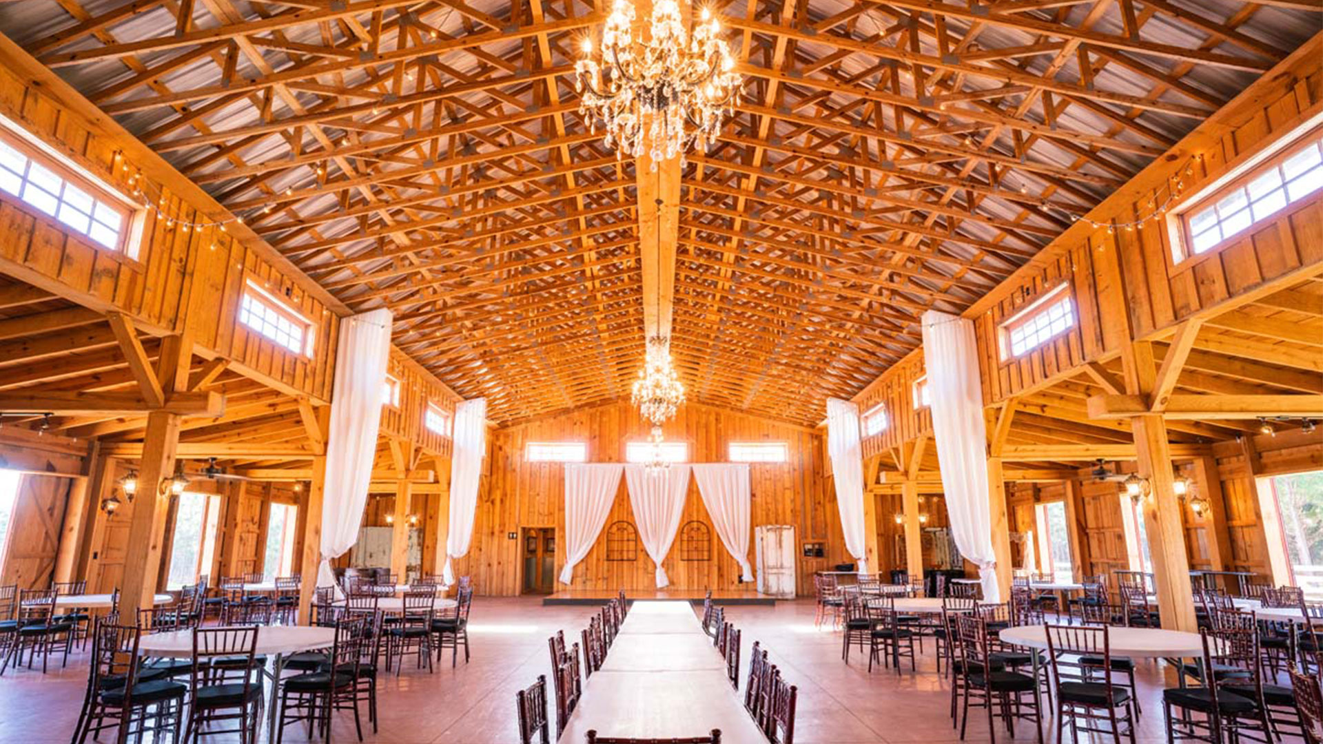 Twin Oaks Farm Georgia Wedding Venue Grand Barn