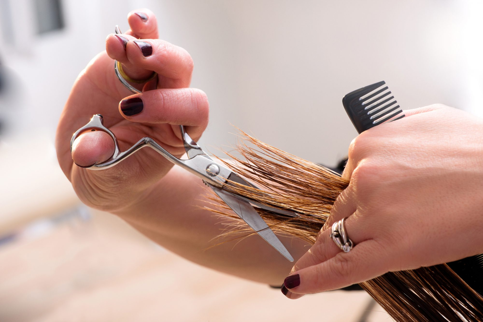3 Easy Ways to Cut Your Own Hair at Home Without Regretting It