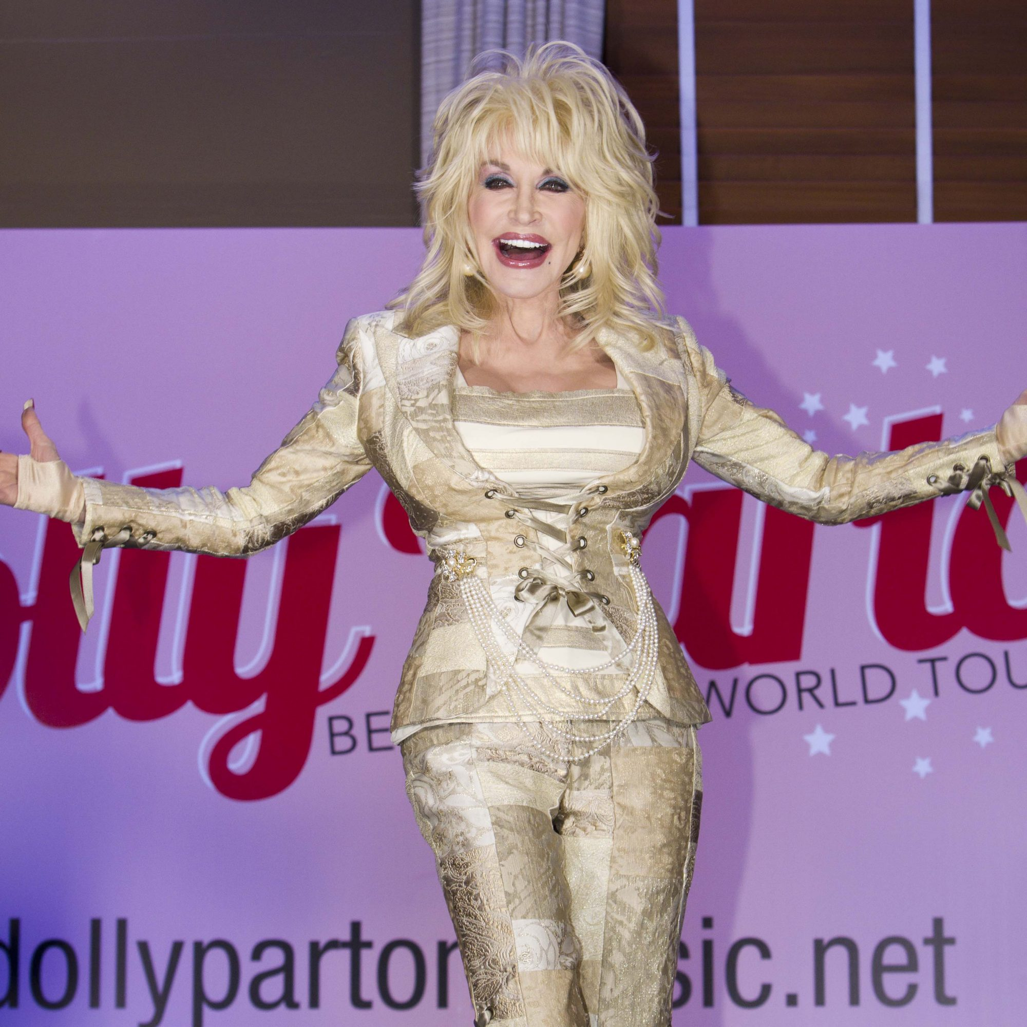 Dolly Parton Childhood Home Renovation Southern Living
