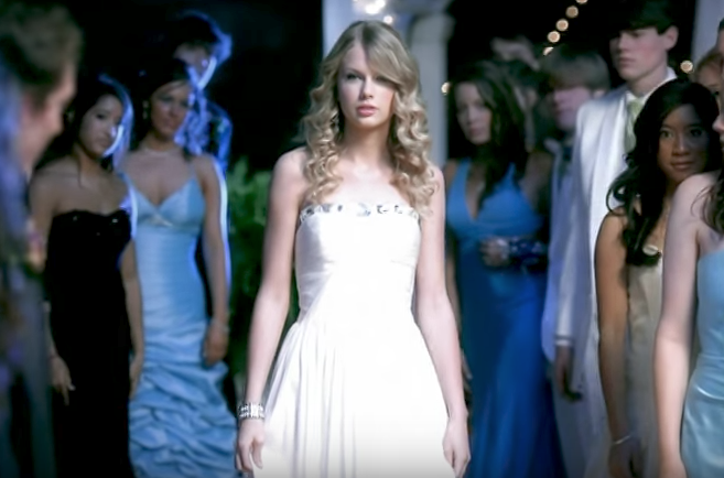 """Taylor Swift's """"You Belong With Me"""" Music Video"""