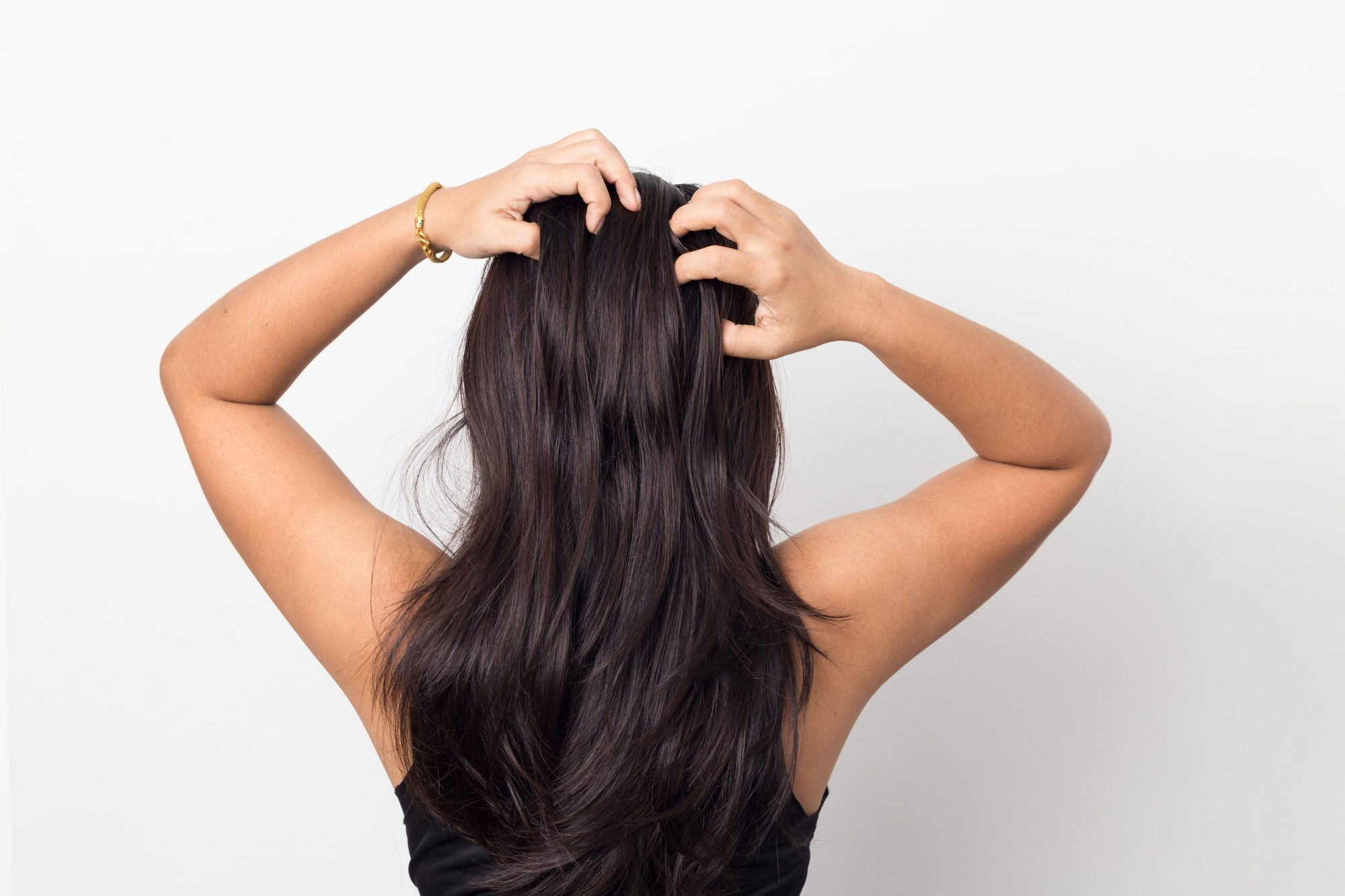 How to Use Dry Shampoo—And the Biggest Mistakes to Avoid