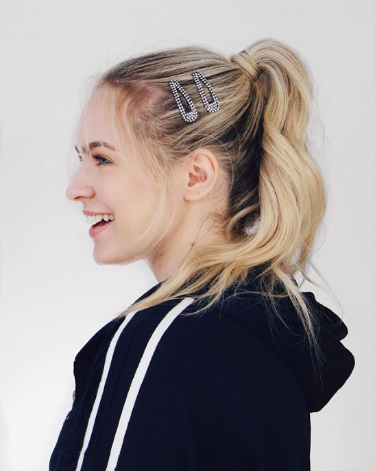Easy Perky Ponytail