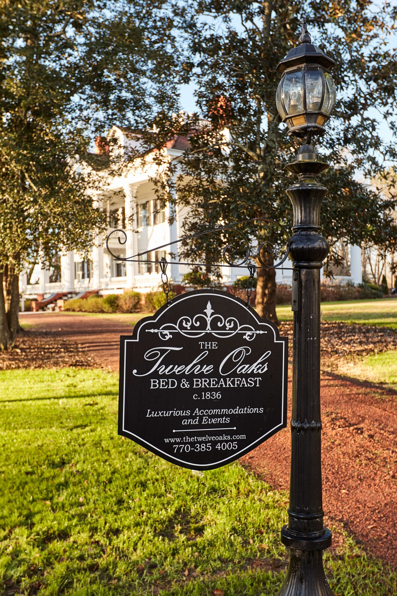 Twelve Oaks Inn the Mansion that Inspired Gone with the Wind House