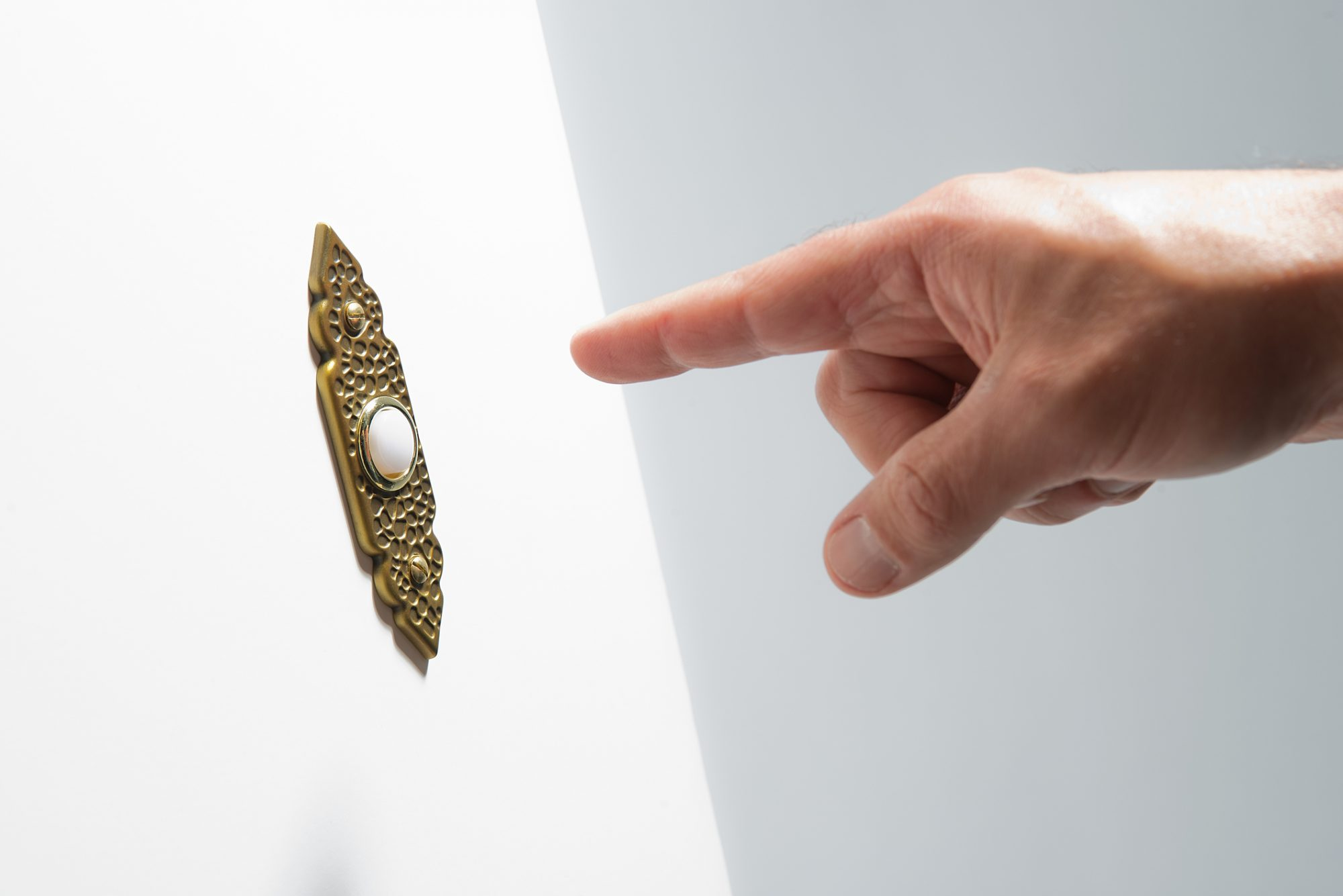 Proper or Not: Are Visitors No Longer Ringing the Doorbell?