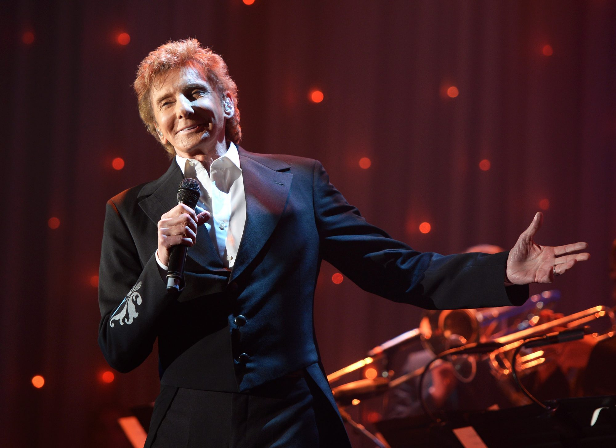 Barry Manilow Gives $100,000 to Band at North Carolina High School Still Reeling from Hurricane Florence