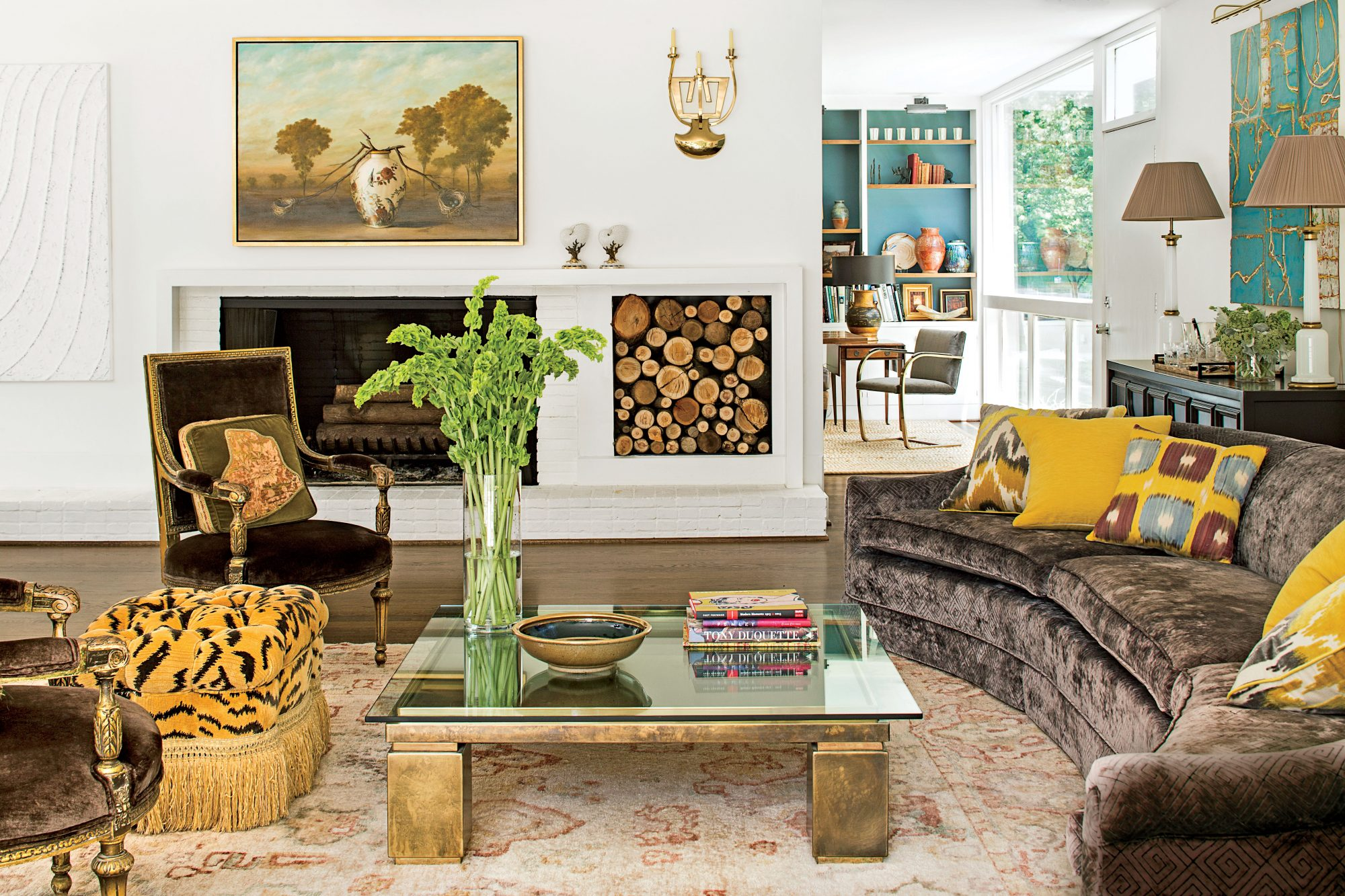 Rancher Living Room with Brown Sofa