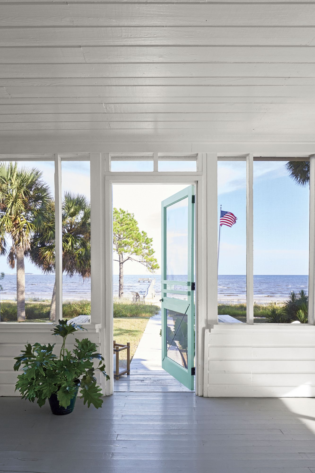 Wow With White Paint: See This Florida Cottage's Incredible Transformation