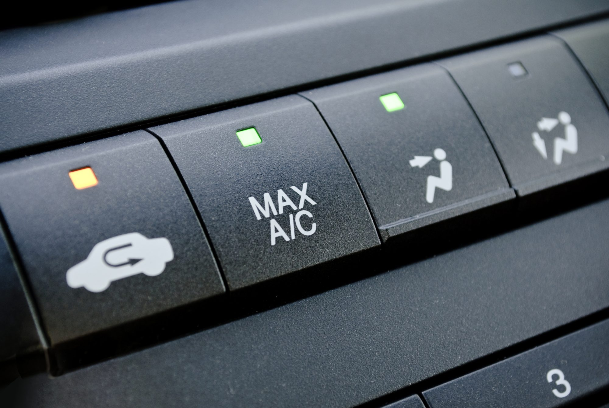 Here's What the Air Recirculation Button in Your Car Actually Does