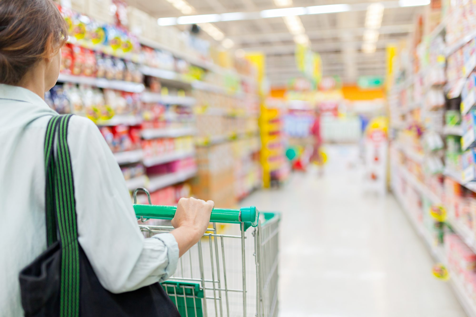 A Nutritionist Explains Why You Shouldn't Avoid the Middle Aisles of the Grocery Store