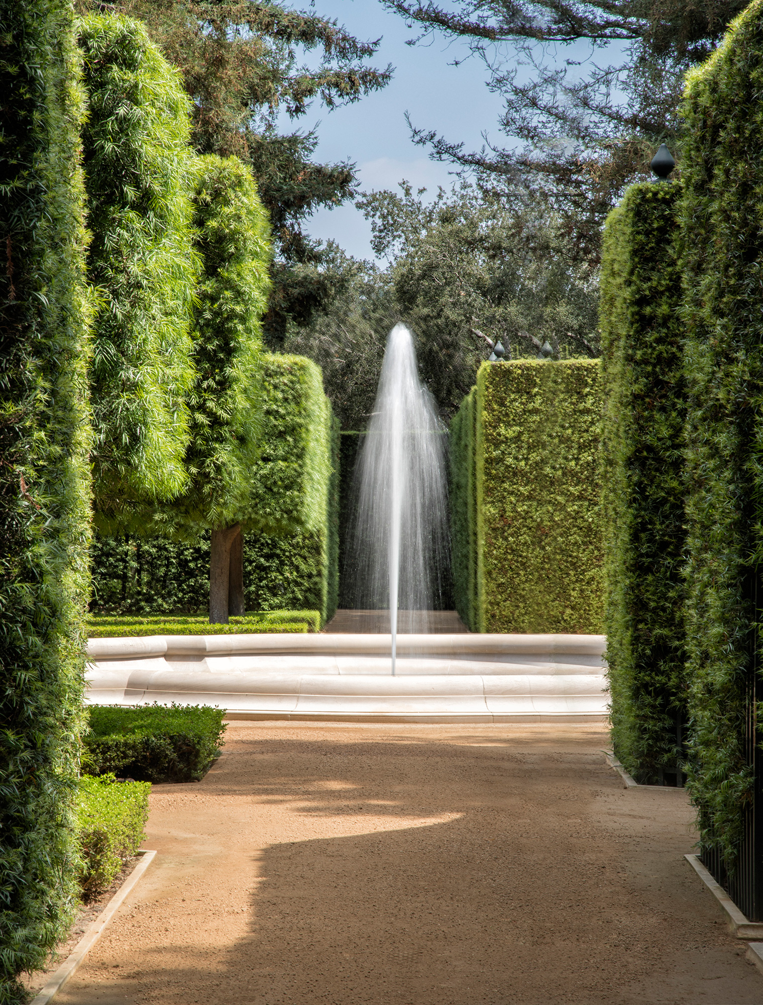 The Real Beverly Hillbillies Mansion for Sale in Bel-Air Just Got a $50 Million Price Chop most-expensive-home-america-founatin-hedges