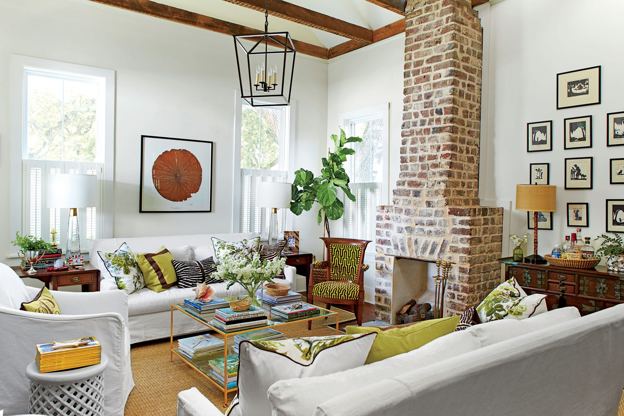 The Best Paint Colors for Whitewashing Brick