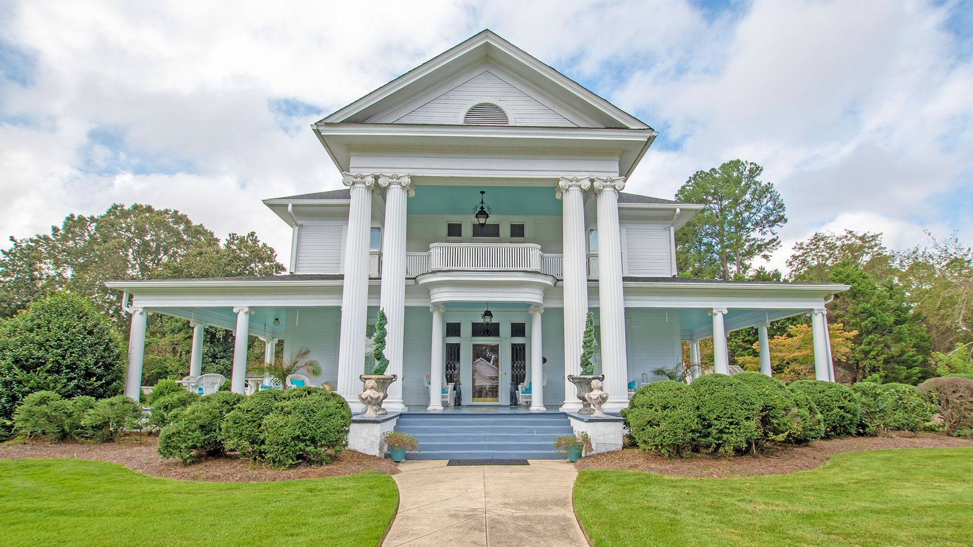 This Shockingly Affordable North Carolina Beauty Has Porches for Days and Days