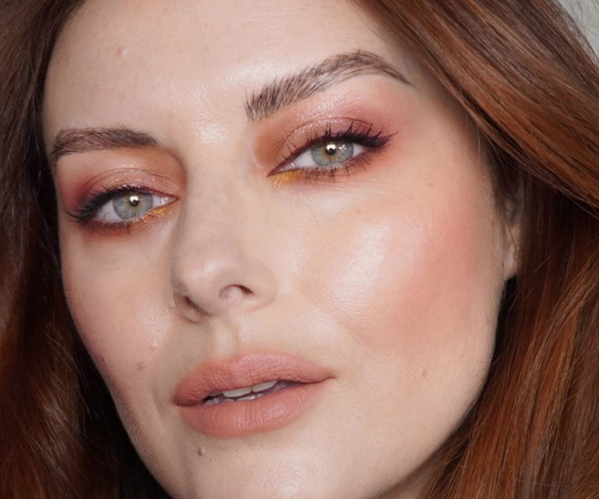 Eye Shadow to Make You Look Younger