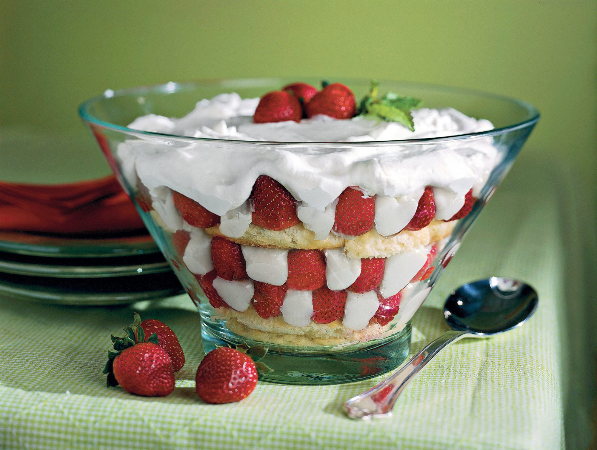 Strawberry Sugar Biscuit Trifle