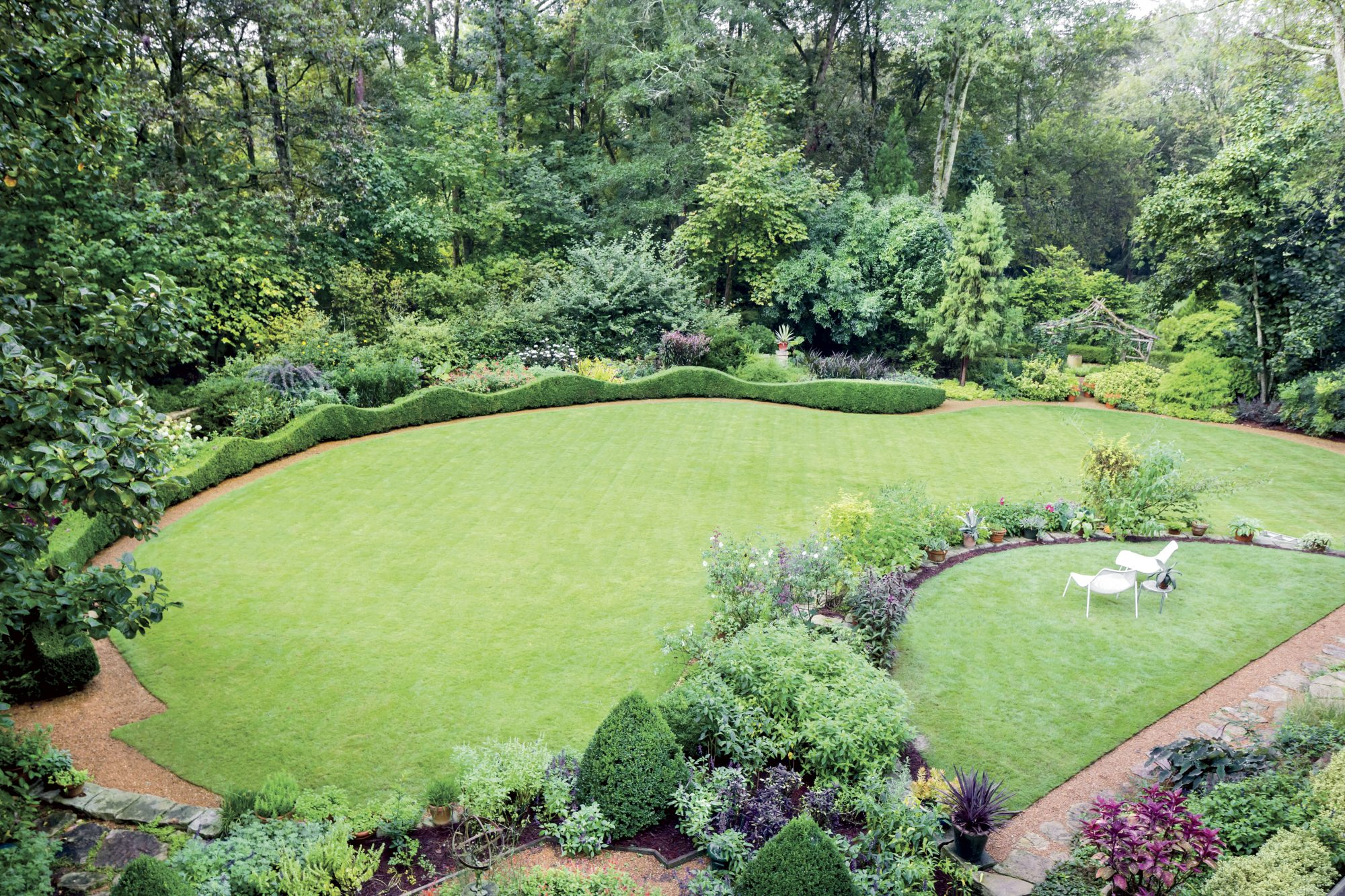 Fennel Maudlin's Garden Lawn with Boxwood Hedge
