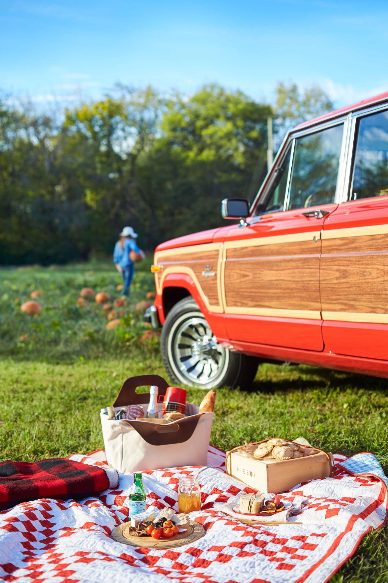 Katie Jacobs Fall Tailgate at Pumpkin Patch Picnic Set-up