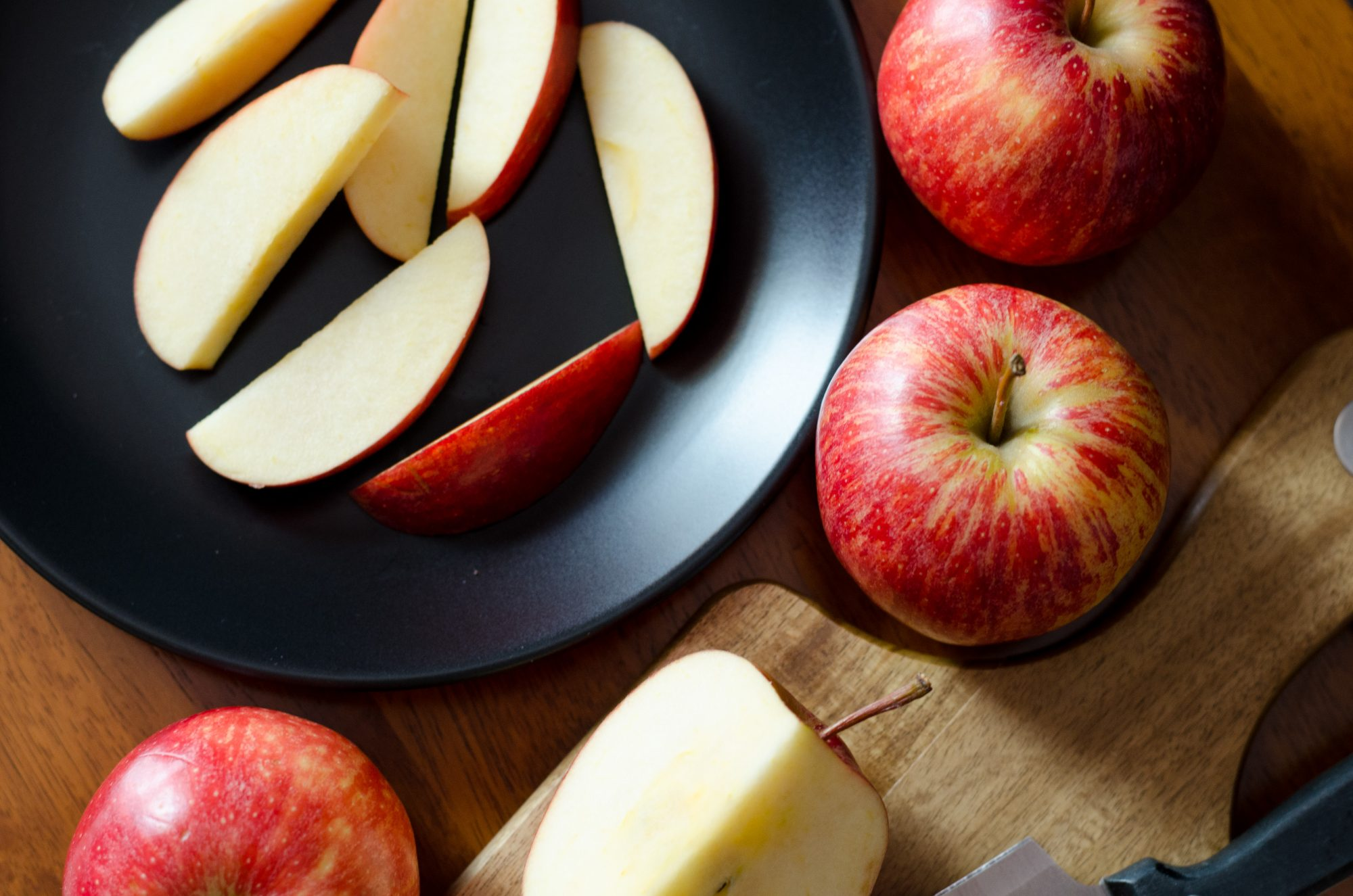 How to Cut an Apple Just as Well as Mom - Southern Living