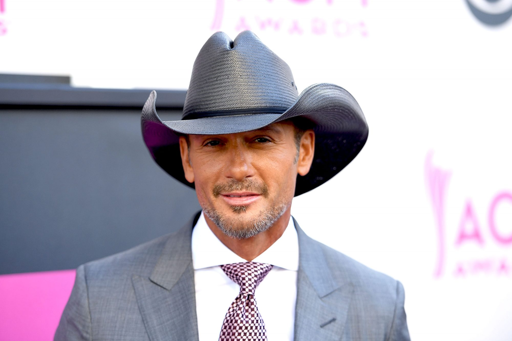 Tim McGraw Goes out of His Way to See His Daughters' Rock Concerts