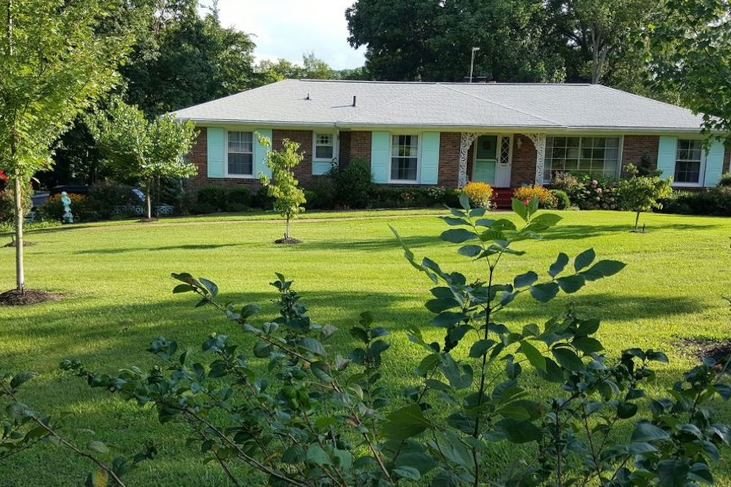 """You Can Now Stay the Night in Patsy Cline's Tennessee """"Dream Home"""""""