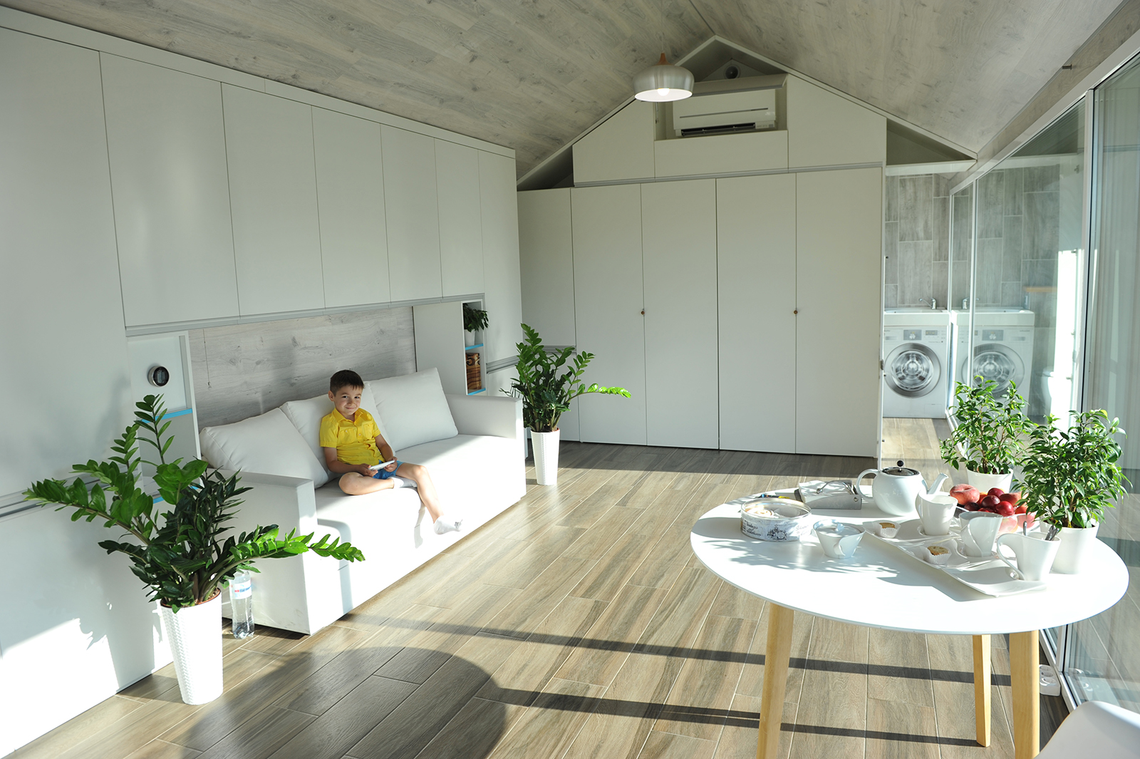 This Tiny Prefab Home Lets You Live in Luxury Completely Off-the-Grid