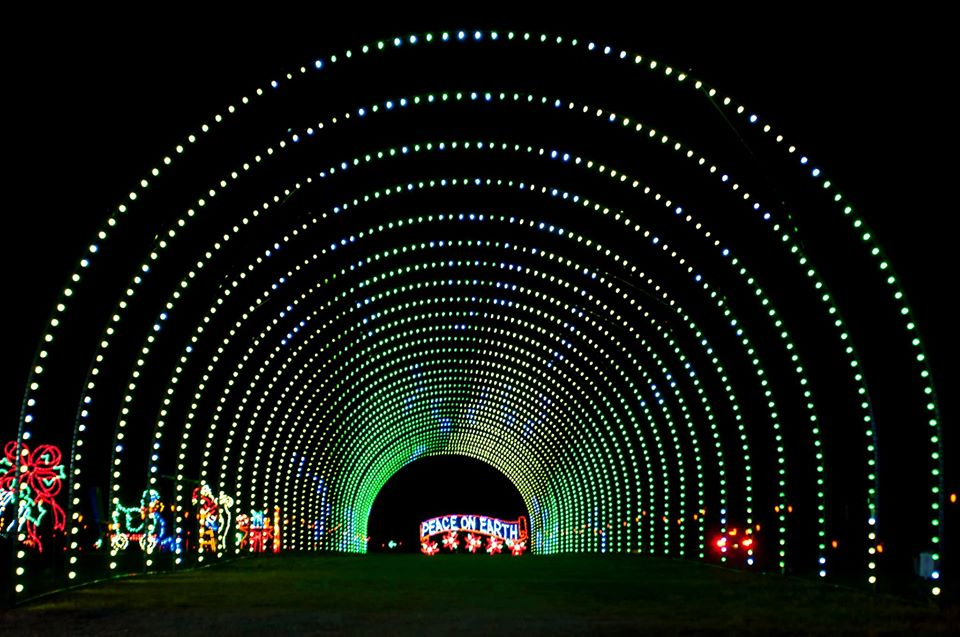 Shadrack's Christmas Wonderland in Sevierville, Tennessee is a Holiday Light Show Not to be Missed