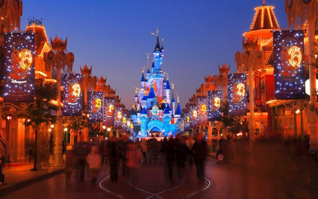 This Man's Homemade Disney Light Show Is Almost as Good as Magic Kingdom's