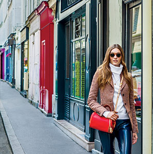 Essential Paris Guide