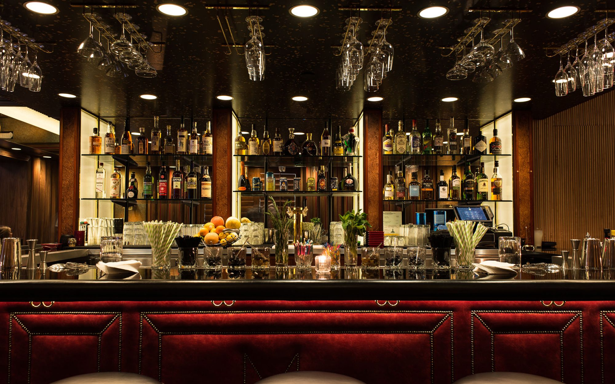 Cocktail Lounge MiniBar Opens in Hollywood