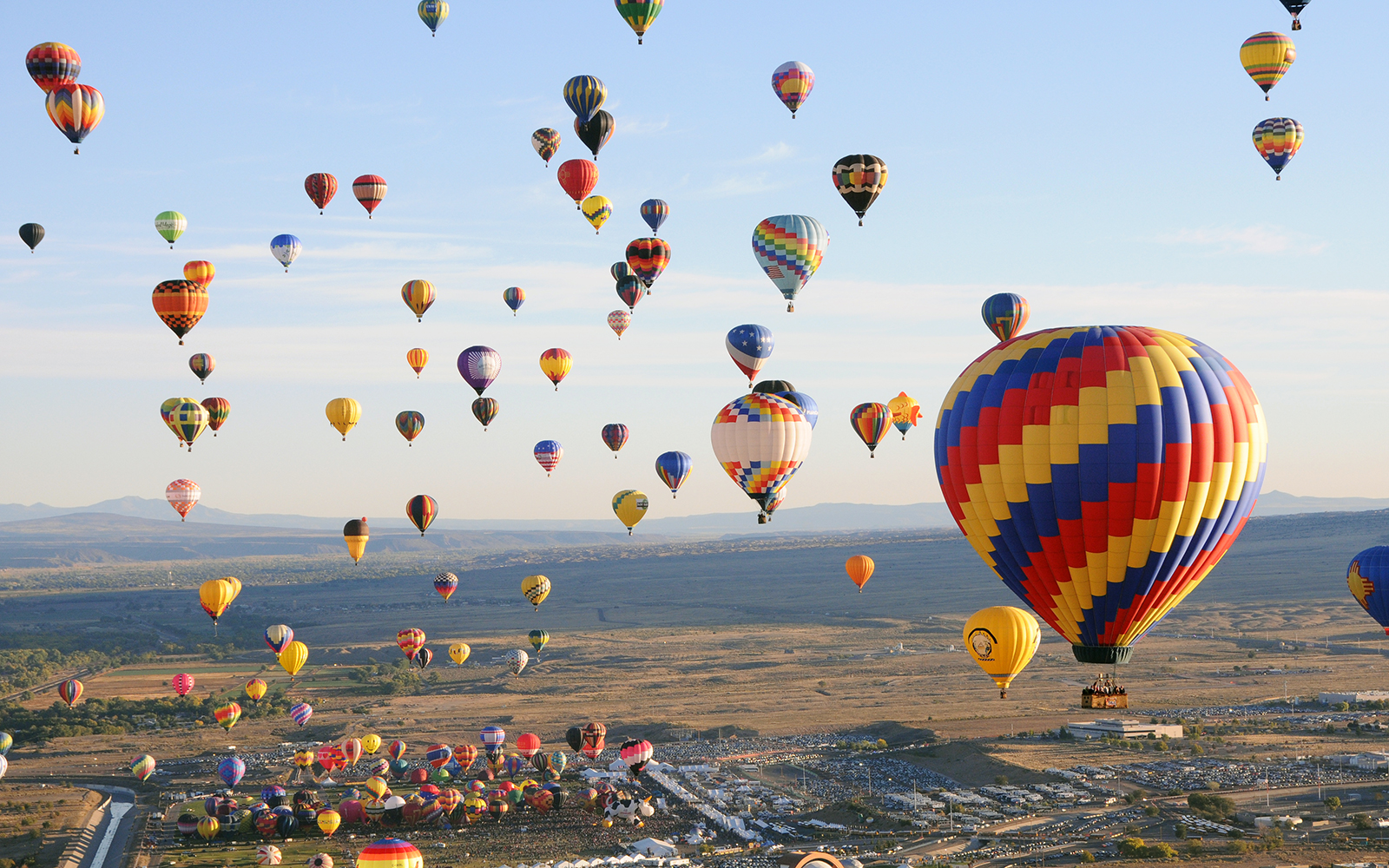 World Record Broken for Most Hot-Air Balloons in the Sky